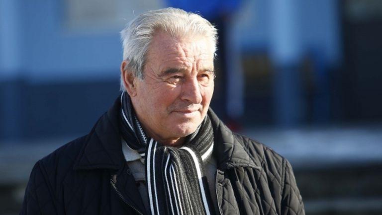 Кръстанов: Футболистите не трябва да се хвалят много, можем да се справим добре във Втора лига