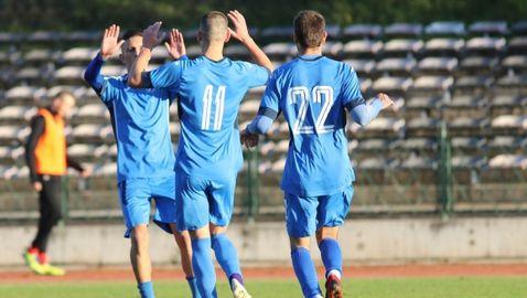 Два бързи гола донесоха радост на Левски (Лом), Мацата отново герой (видео)