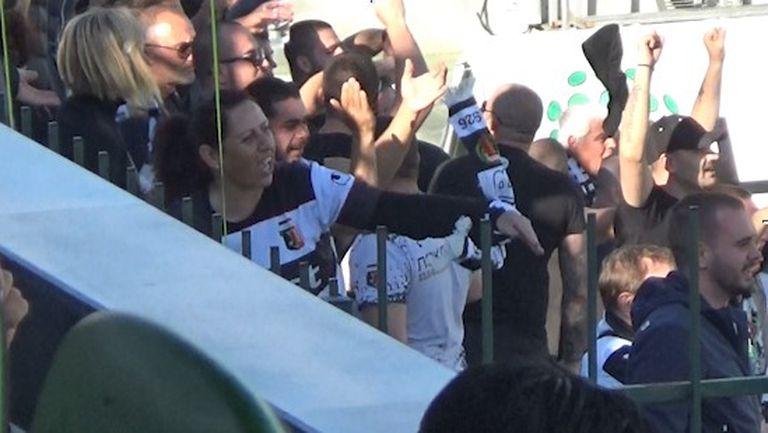 Радост в черно и бяло след попадението на Минчев срещу Лудогорец