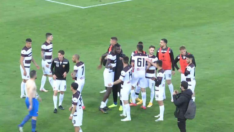 Играчите на Локо (Пловдив) поздравиха феновете си след победата в Разград