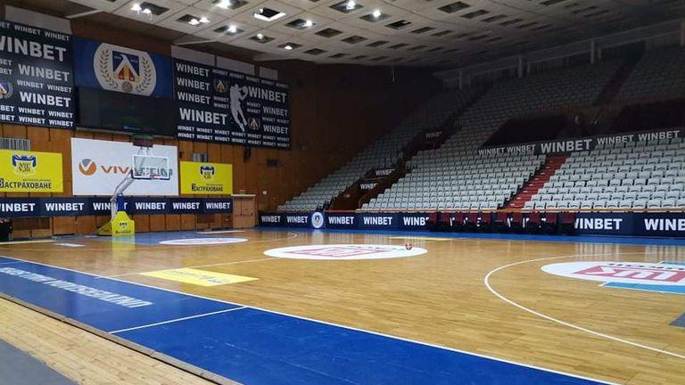Бойко Младенов пред Sportal.bg: Абсурдно е залите да са затворени и на стадиона да се ходи с маска😷