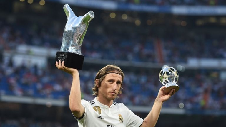 """Тръгна ли нагоре Ман Юнайтед и Модрич ли заслужаваше наградата на УЕФА (гледайте """"Контра"""")"""