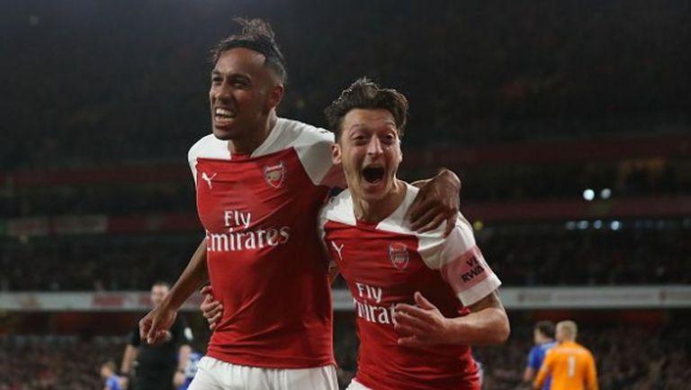 Арсенал е неудържим! (видео)