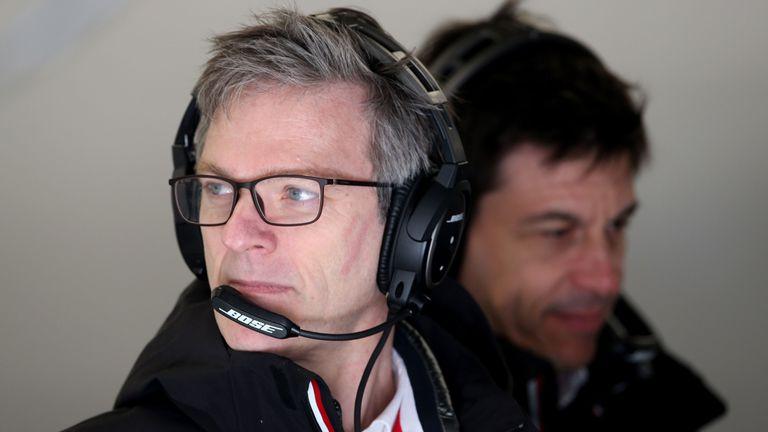 Шампионите във Формула 1 от Мерцедес смениха директора си