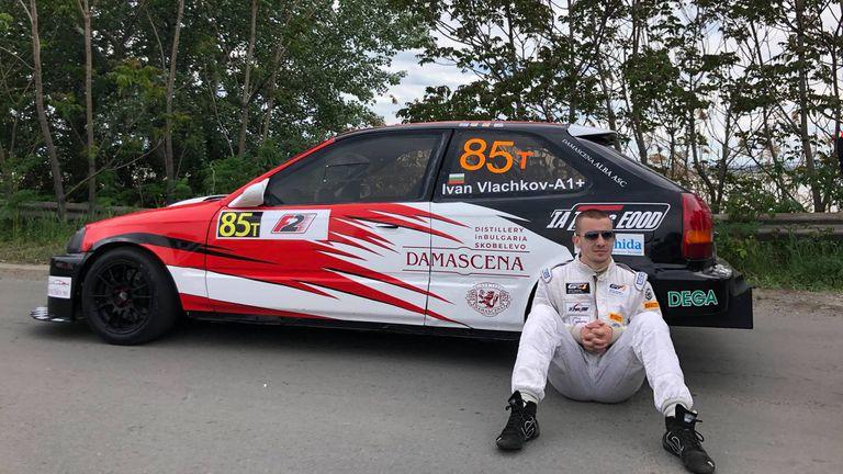 Иван Влъчков ще стартира от полпозишън на Писта Бургас