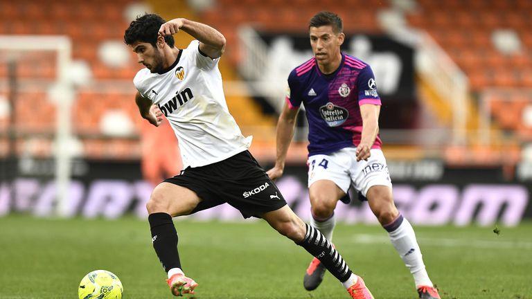 Валенсия вкара три гола и задълбочи кризата във Валядолид