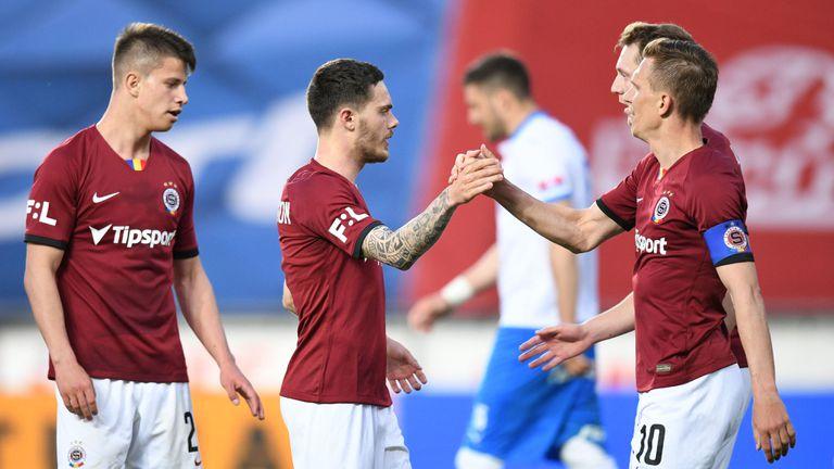 Минчев игра в края при победа на Спарта (Прага)
