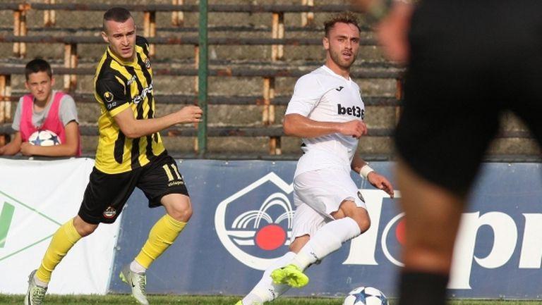 Тони Тасев дебютира с два гола за Монтана