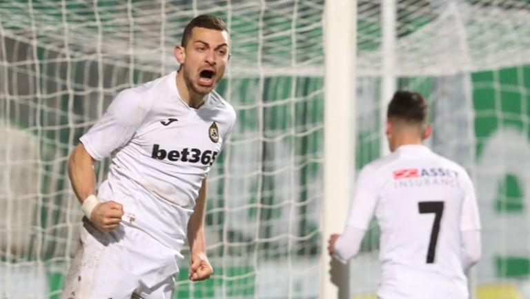 Славия се измъкна от голям резил в 93-ата минута