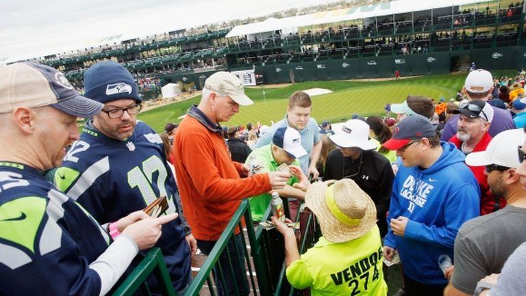 Суперзвезда в голфа проплака: Спрете алкохола на феновете!