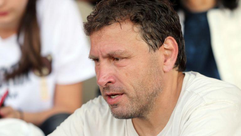 Вили Вуцов отпразнува с неповторим танц победата на Локо (Пловдив) - вижте го