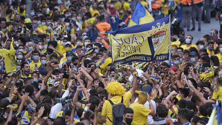 Страхотен жест: 10 хиляди ще гледат безплатно всеки мач на Кадис в Ла Лига
