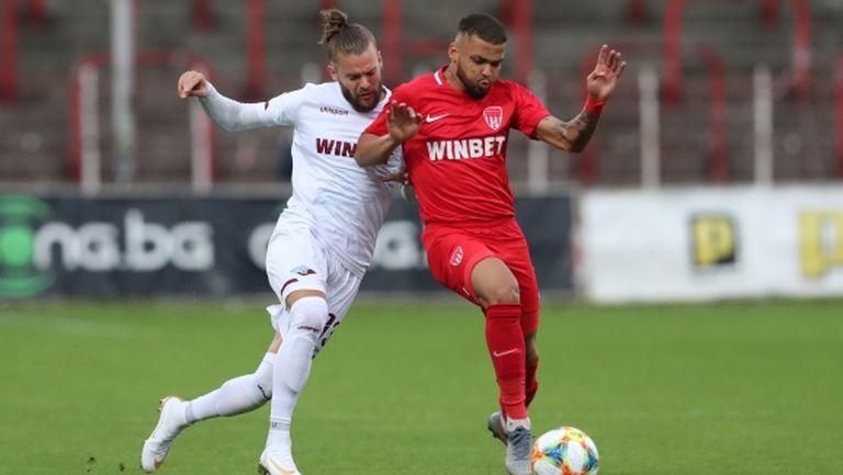 Христо Арангелов се завръща начело на Септември, отборът се раздели с 12 играчи