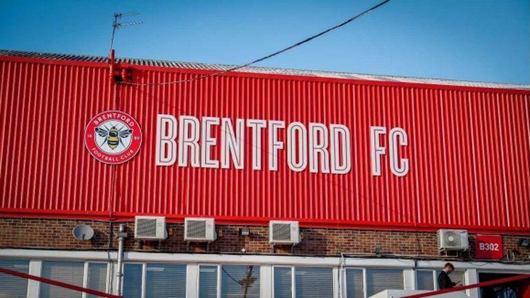 Брентфорд привлече защитник от Манчестър Юнайтед