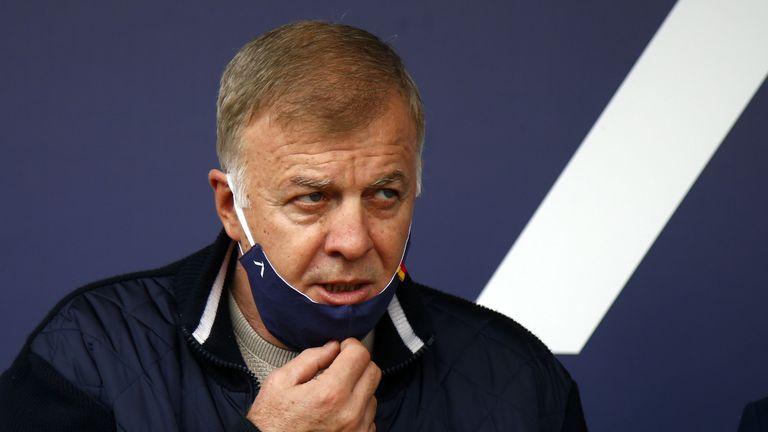 Наско Сираков каза дали Левски ще се откаже от лиценза си
