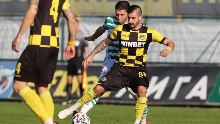 Обезкървен Ботев удържа 0:0 срещу Черно море в Пловдив