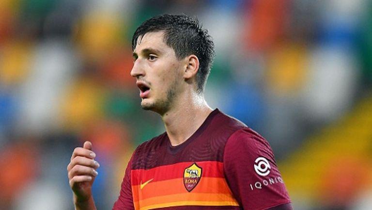 Още един играч на Рома е с COVID-19