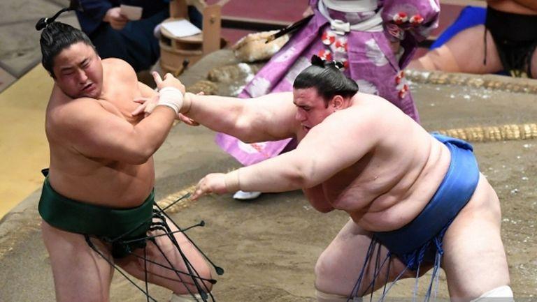 След кошмарното начало, Аоияма записа трета поредна победа