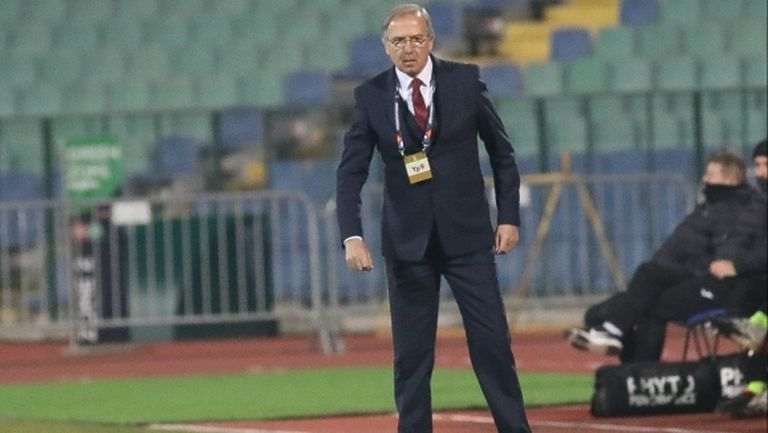 Дерменджиев: Нека поощрим футболистите