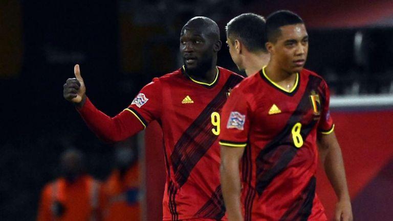 Белгия се разправи с Дания в голово шоу и ще играе на финалите (видео)