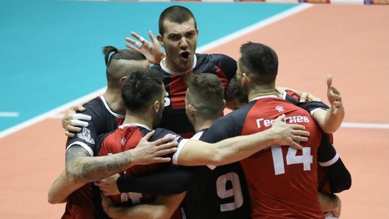 Локомотив (Пловдив) с експресна победа над Славия в отложен мач от НВЛ
