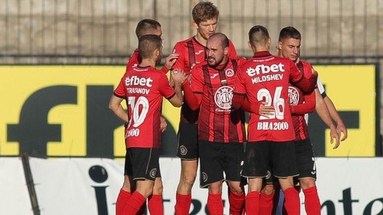 Локомотив (София) се завърна на върха във Втора лига (видео+галерия)