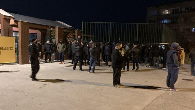 Полиция опази футболистите на Ботев (Пд) от бесните бултраси