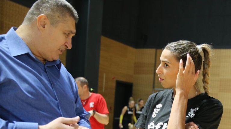 Любо Ганев към националките: Това е годината на женския волейбол, влагайте се и бъдете здрави (видео)