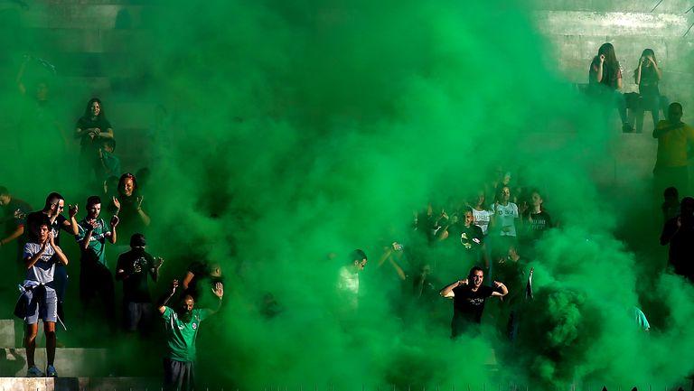 Зелени факли след гола на Генов