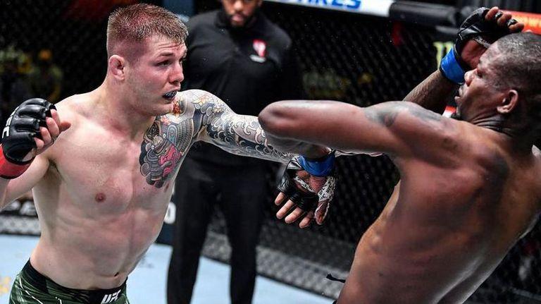 Ветори доминира над Холанд на UFC Vegas 23