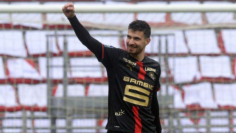 Нант взе трета победа от четири мача и се доближи на точка от Марсилия