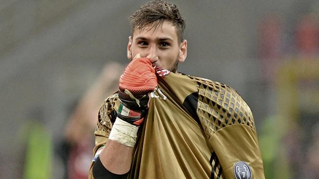 Легенда на Милан: Защо Донарума целува фланелката, а се бави с новия договор? 😘