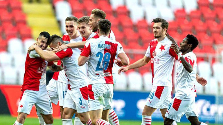 Славия ликува в дербито на Прага и вече докосва титлата