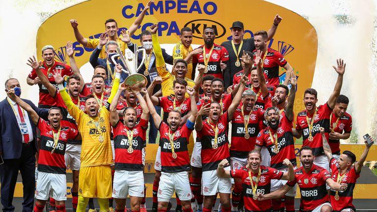 Фламенго спечели Суперкупата на Бразилия