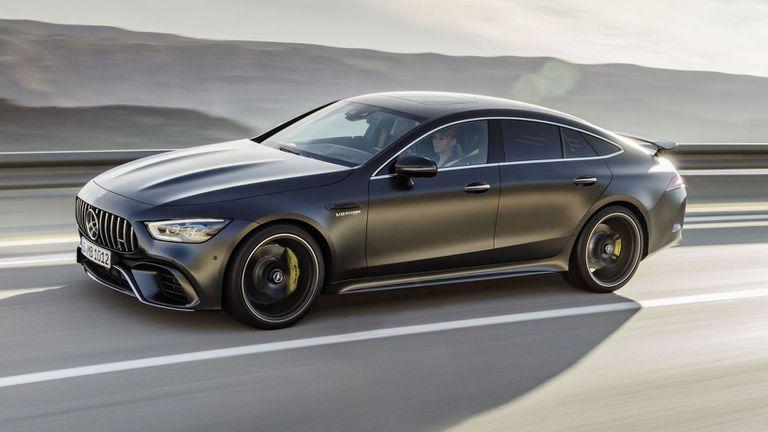 Божинов бръмчи с чисто нов Mercedes