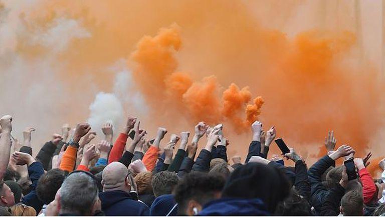 Борис Джонсън потвърди завръщането на феновете в Англия