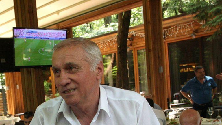 Стефан Аладжов: Една легенда на 70! (Видео)