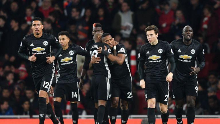 Блестящ Ман Юнайтед повали Арсенал в спектакъл (видео)