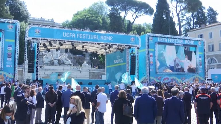 Рим се напълни с фенове, очакващи голямото откриване на Евро 2020