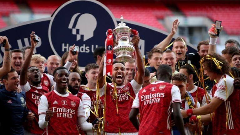 Обамеянг изведе Арсенал до рекордна Купа на Англия