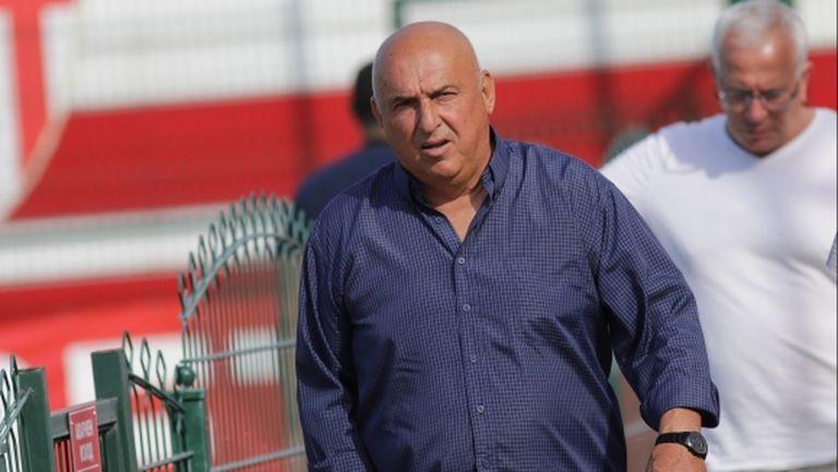 Шеф и треньор на Левски гледат Царско село, босът на БФС също е там