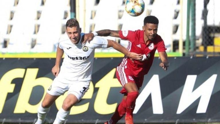 ЦСКА-София поглежда към върха в класирането