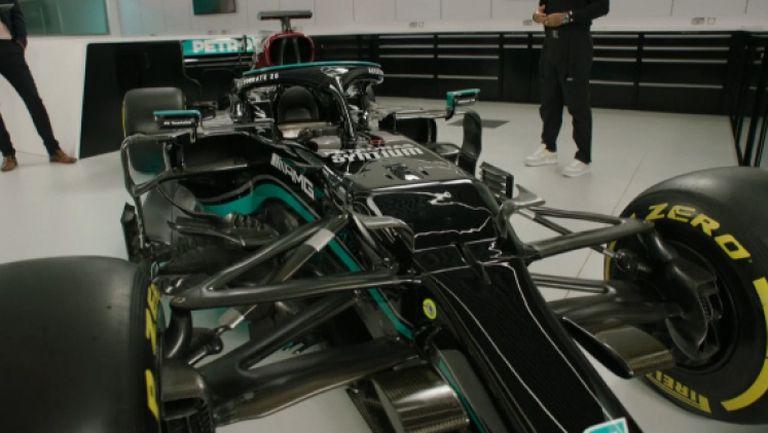 Мерцедес представи F1 W12