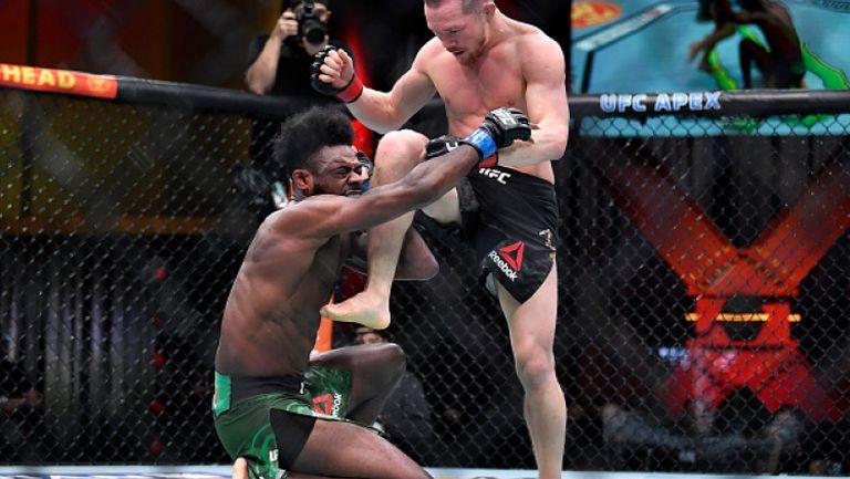 Дисквалификация на Пьотър Ян направи Стърлинг шампион на UFC