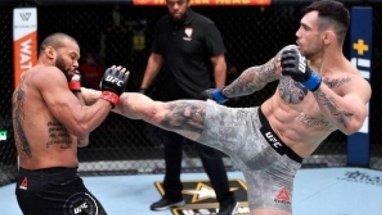 Александър Ракич победи Тиаго Сантос на UFC 259
