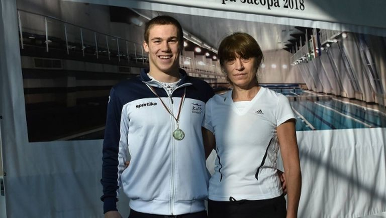 Скандалът в плуването: Треньорка посочи виновника и помоли Аврамчев за подкрепа към състезателите
