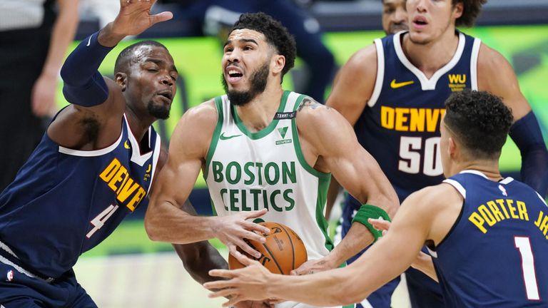 Бостън прекъсна победната серия на Денвър след паметен обрат