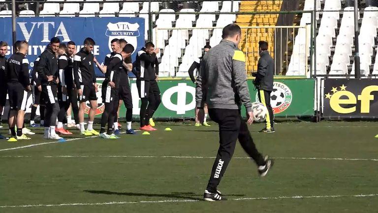 """Загорчич с първа официална тренировка след завръщането си в Славия, """"белите"""" се готвят за реванша с Арда"""
