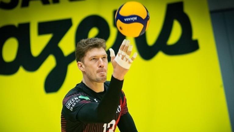 Дмитрий Мусерский ще изиграе още един сезон в Япония