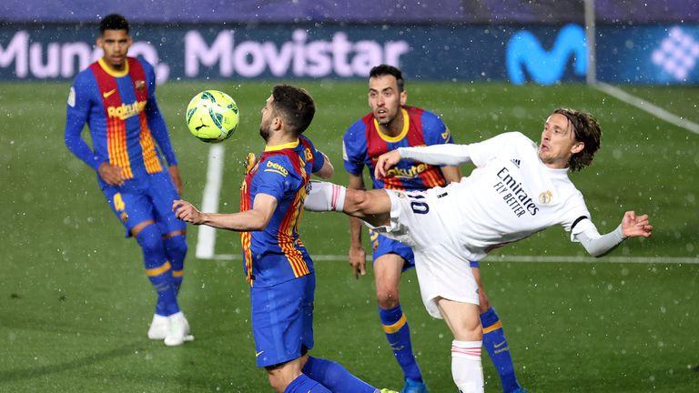 """Барселона детронира Реал Мадрид в класация на """"Форбс"""""""